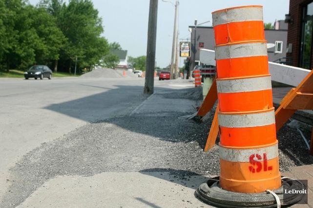 Les automobilistes de Clarence-Rockland qui empruntent la rue Laurier devront... (Patrick Woodbury, Archives LeDroit)