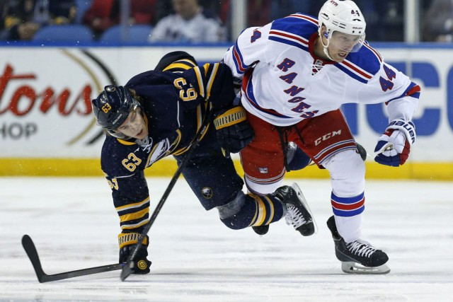 Matt Hunwick... (Photo Kevin Hoffman-USA TODAY Sports)