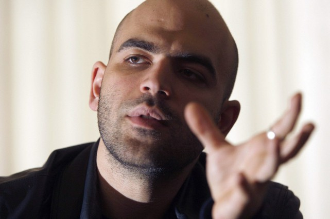 L'auteur et journaliste italien Roberto Saviano.... (Photo Alessandro Bianchi, archives Reuters)