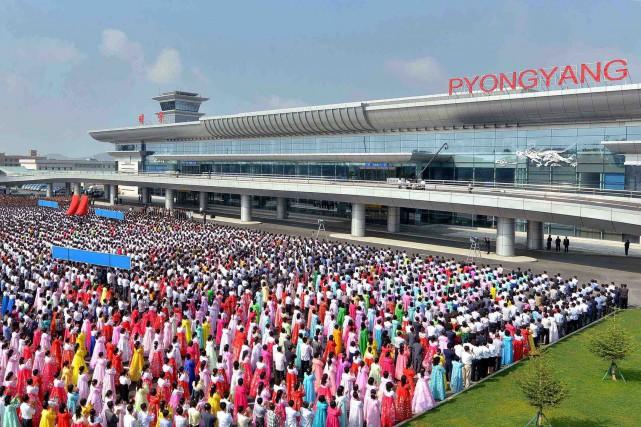 Six fois plus vaste que l'ancien aéroport, la... (PHOTO AFP/AGENCE KCNA)