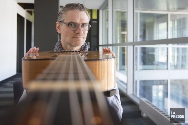 Mine de rien, Jesse Cook est dans le paysage musical depuis 20 ans et il en est... (PHOTO IVANOH DEMERS, ARCHIVES LA PRESSE)