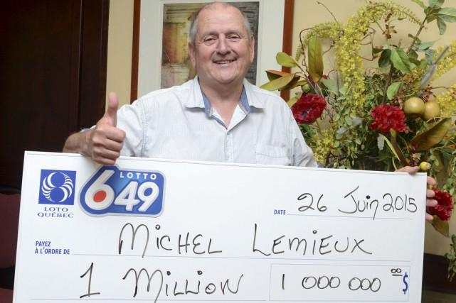 Michel Lemieux, originaire de l'Estrie, a remporté un lot de 1 M$ à la Lotto... (Photo fournie par Loto-Québec)