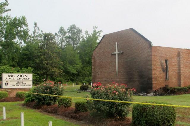 Les églises incendiées depuis le 22 juin se... (Photo Bruce Smith, AP)