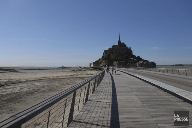 Ce tout nouveau pont-passerelle a été inauguré en... (Photo Sylvain Sarrazin, La Presse)