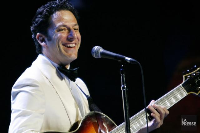 John Pizzarelli a joué 12 fois au Festival... (PHOTO PATRICK SANFAÇON, ARCHIVES LA PRESSE)