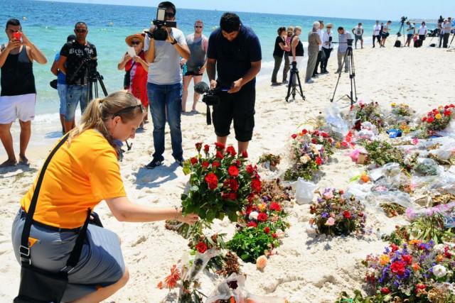 Outre les victimes britanniques, trois Irlandais, deux Allemands,... (Photo Hassene Dridi, AP)