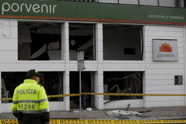 Les deux engins explosifs, qui ont détonné après... (Photo John Vizcaino, Reuters)