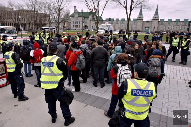 Le 27 avril 2012, es manifestants ont été... (Photothèque Le Soleil)