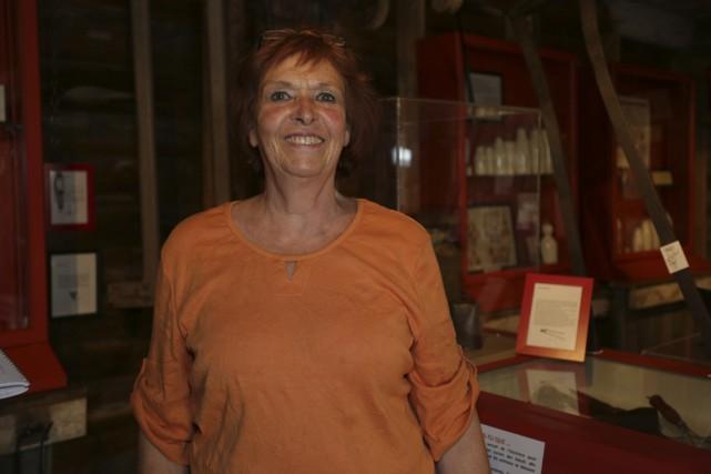 La centaine d'objets rassemblés par Suzanne Saint-Amour illustre... (photo Catherine Trudeau)