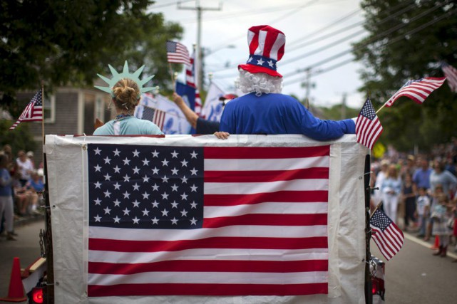 La traditionnelle parade du 4 juillet à Barnstable,... (PHOTO MIKE SEGAR, REUTERS)