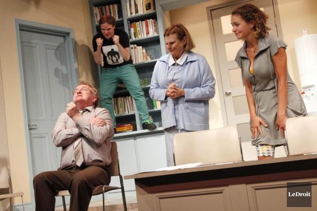 Quatre des comédiens de la pièce Toc Toc... (Simon Séguin-Bertrand, LeDroit)