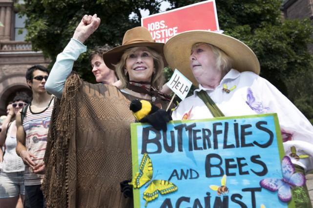 Jane Fonda (à gauche) a qualifié le rassemblement... (PHOTO PC)