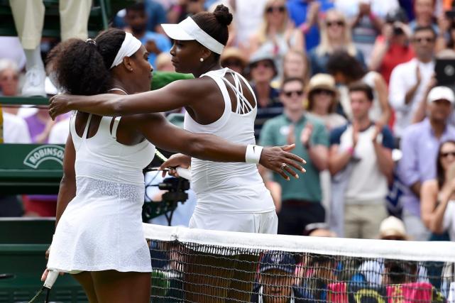 Les soeurs Serena et Venus Williams se sont... (Photo Toby Melville, Reuters)