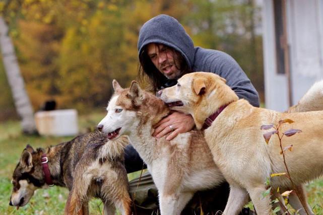 Maxime Leclerc-Gingras en compagnie de chiens.... (Photo: Facebook)