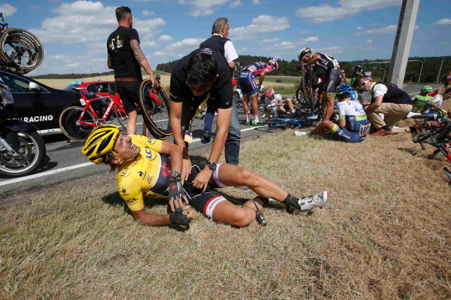 Chris Froome a dépossédé du maillot jaune Fabian... (Photo Eric Gaillard, Reuters)