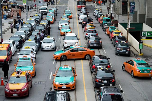 Des conducteurs de taxi de Toronto ont protesté... (Photo archives PC)