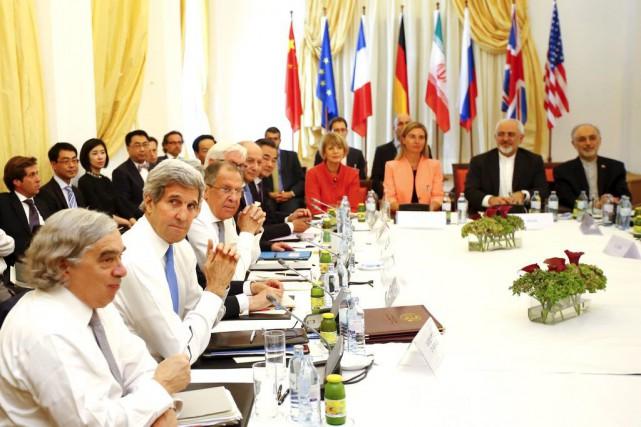 Les chefs de la diplomatie du groupeP5+1 (États-Unis,... (PHOTO LEONHARD FOEGER, REUTERS)