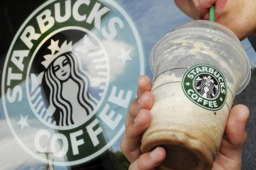 La chaîne américaine Starbucks a annoncé lundi son arrivée en Italie où elle va... (Photo archives AP)