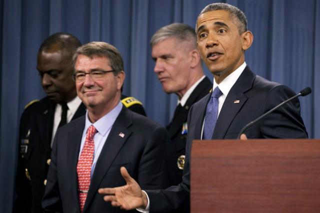 Barack Obama était accompagné de ses conseillers militaires... (PHOTO AP)