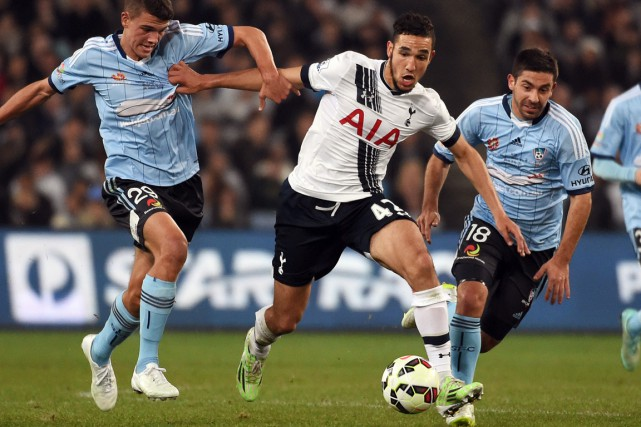Nabil Bentaleb, au centre, est passé pro en 2013... (Photo William WEST, archives AFP)