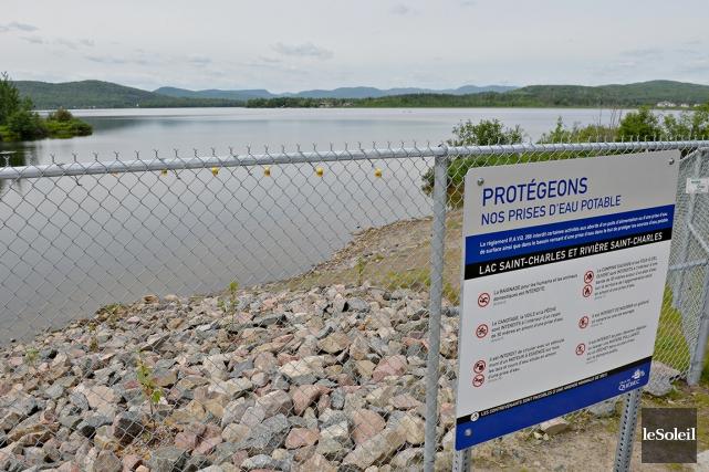 La santé du lac Saint-Charles inquiète les élus... (Photothèque Le Soleil, Pascal Ratthé)