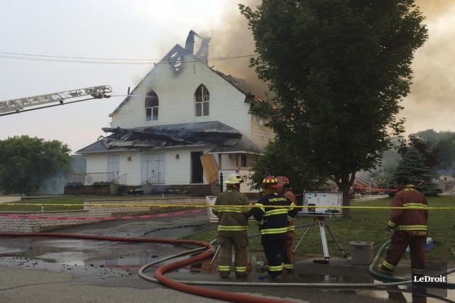 Les flammes ont réduit en cendres l'église de... (Julien Paquette, LeDroit)