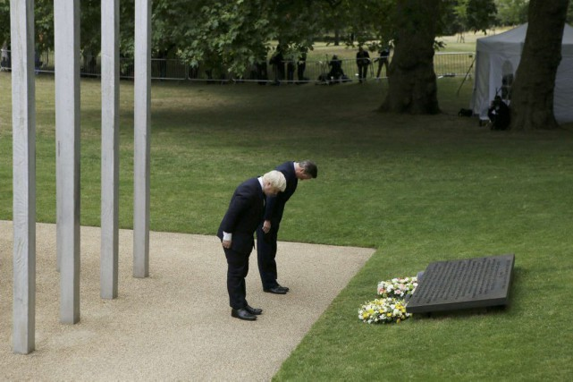 Le maire de Londres Boris Johnson (premier plan)... (PHOTO STEVE PARSONS, REUTERS)
