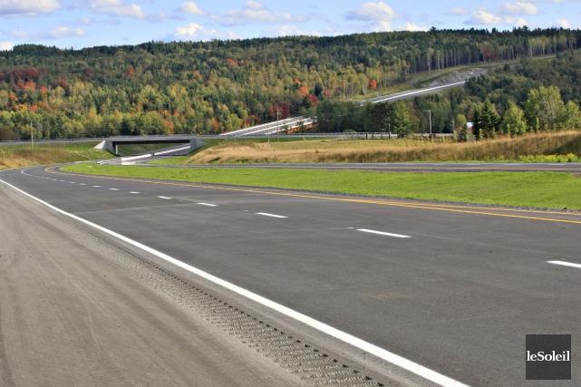 Le prolongement de l'autoroute 73, qui sera complété... (Photothèque Le Soleil, Pascal Ratthé)