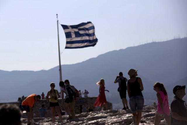 En Grèce, seulement 39 % des électeurs ont dit oui aux propositions de... (Associated Press)
