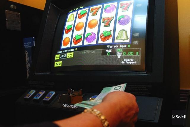Le nombre d'appareils de loterie vidéo (ALV) et les établissements qui en... (Photothèque Le Soleil, Steve Deschênes)