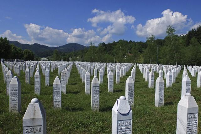 Quelque 8000 hommes et garçons musulmans ont été... (Photo Dado Ruvic, archives Reuters)