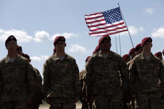 L'armée de Terre des États-Unis va supprimer 40 000 postes de militaires et 17... (PHOTO AP)