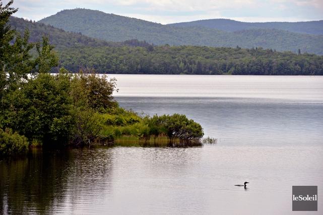 Le lac Saint-Charles... (Photo Pascal Ratthé, archives Le Soleil)