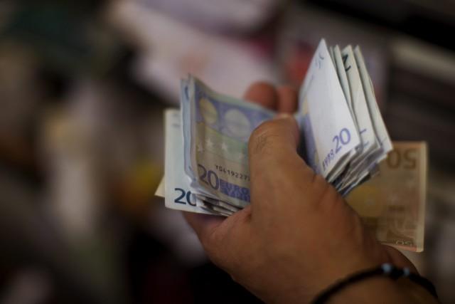 En Grèce, la population était confrontée mercredi à... (AP, Emilio Morenatti)