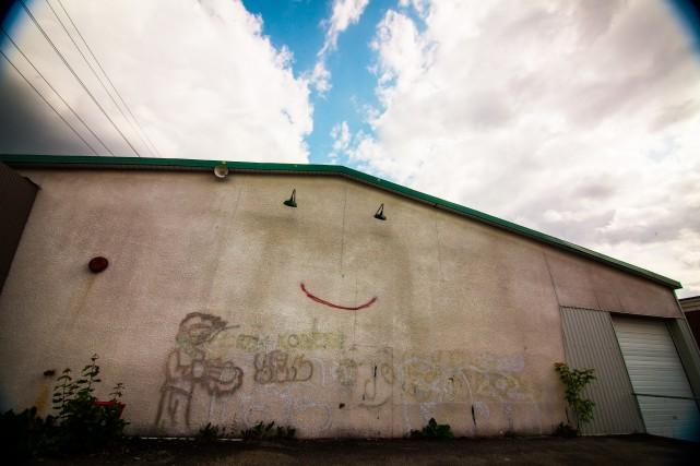 L'édifice qui rit. Dans l'Essss.... (Photo Hani Ferland)
