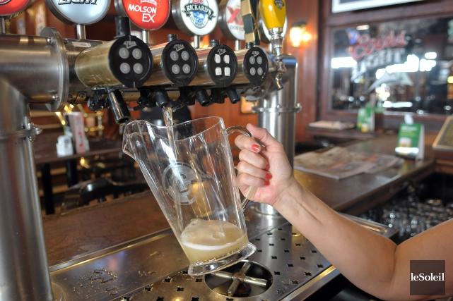 L'abus d'alcool coûte chaque année quelque 4 milliards... (Photothèque Le Soleil)