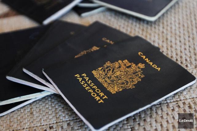 Le nombre de passeports canadiens dérobés n'a pratiquement... (Archives Le Droit, Étienne Ranger)