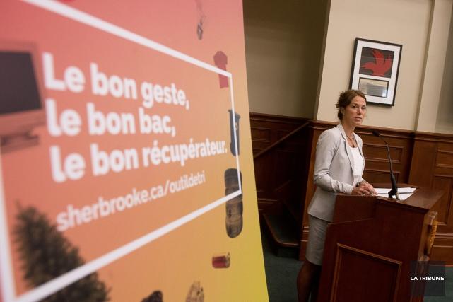 La présidente du comité de l'environnement Christine Ouellet... (Imacom, René Marquis)