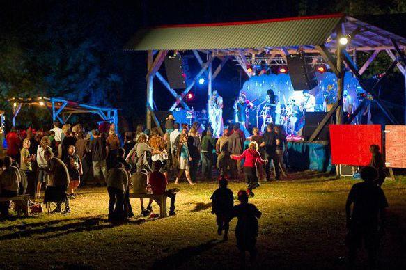 Afin de souligner son 10e anniversaire, le ShazamFest ouvre son amphithéâtre à... (Photo Facebook par Claude Dufresne)