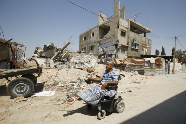 Ali Wahdan, un professeur de mathématiques palestinien qui... (PHOTO SUHAIB SALEM, REUTERS)