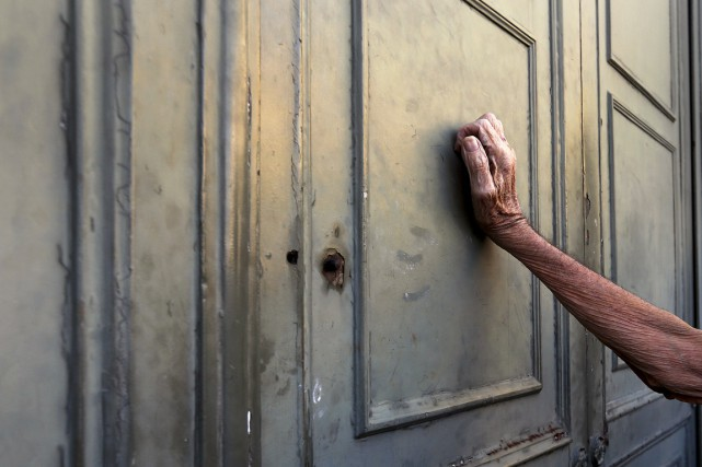 Beaucoup de Grecs sans emploi ou avec des... (PHOTO YANNIS BEHRAKIS, REUTERS)
