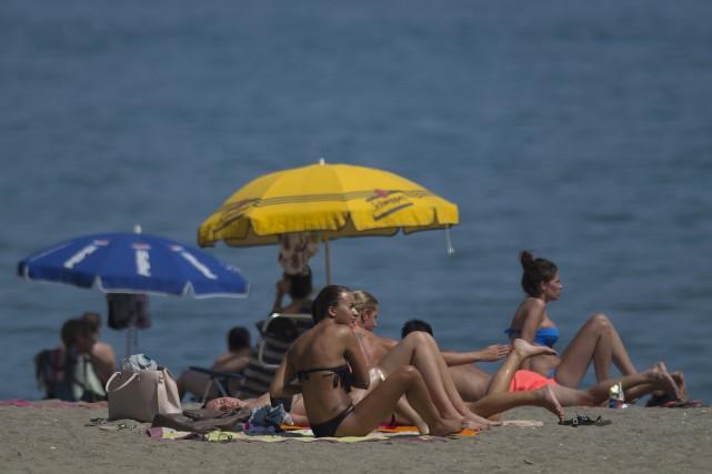 «Affirmer que la crème solaire cause le cancer... (Photo Jorge Guerrero, Agence France-Presse)
