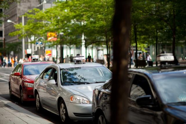 «Faut-il compenser les propriétaires de licences de taxi... (PHOTO SARAH MONGEAU-BIRKETT, ARCHIVES LA PRESSE)