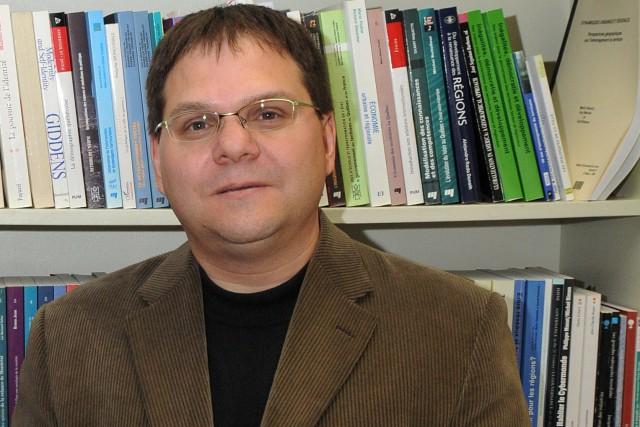 Martin Simard, géographe et urbaniste, professeur à l'UQAC.... ((Archives))