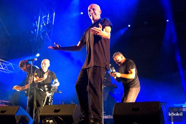 L'interaction entre les trois chanteurs énergiques réussit à... (Le Soleil, Caroline Grégoire)