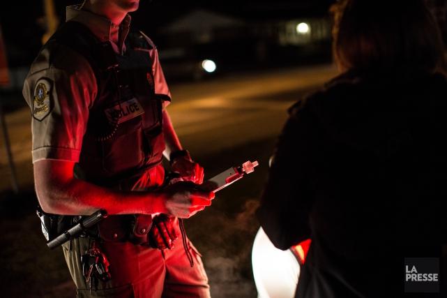 Un couple en état d'ébriété a été arrêté pour alcool au volant à une heure... (Archives La Presse)