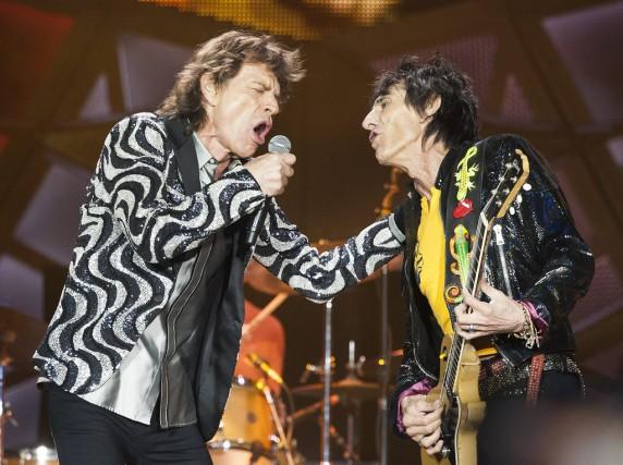 Mick Jagger et Ronnie Wood des Rolling Stones... (PHOTO ARCHIVES AP)