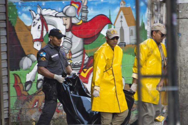 Selon des témoins, la victime a été abordée... (Photo VANDERLEI ALMEIDA, AFP)