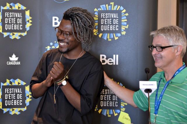Le Congolais Pierre Kwenders et Daniel Gélinas... (Photo Le Soleil, Pascal Ratthé)