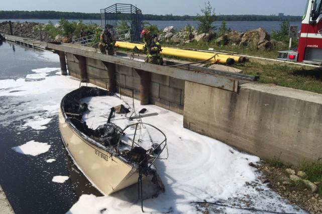 Des témoins soutiennent que l'explosion s'est produite lorsqu'un... (Martin Roy, LeDroit)